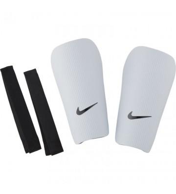 Ochraniacze piłkarskie Nike J Guard-CE SP2162 100